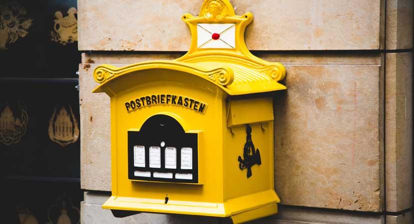Envío, embalaje y servicios postales